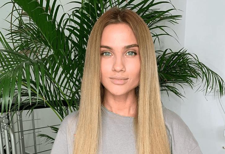 Karolina Gilon Wiek Program Instagram Partner Wzrost