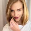 Agnieszka Kaczorowska na profesjonalnej sesji ciążowej