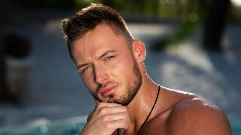 Mariusz z Hotel Paradise