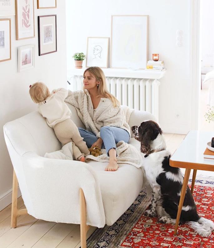 Kasia Tusk z córką i psem.