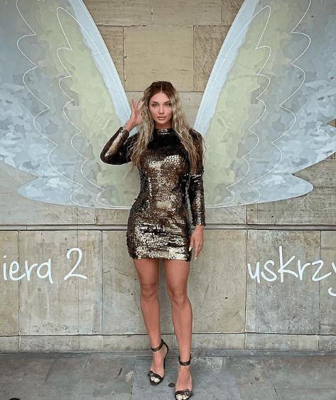 Caroline Juchniewicz w modnej sukience w cekiny