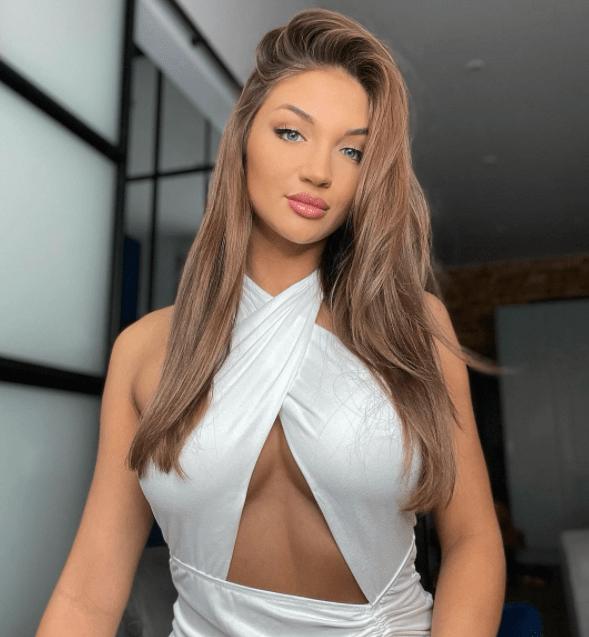 Caroline Juchniewicz