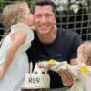 Robert Lewandowski z córkami.